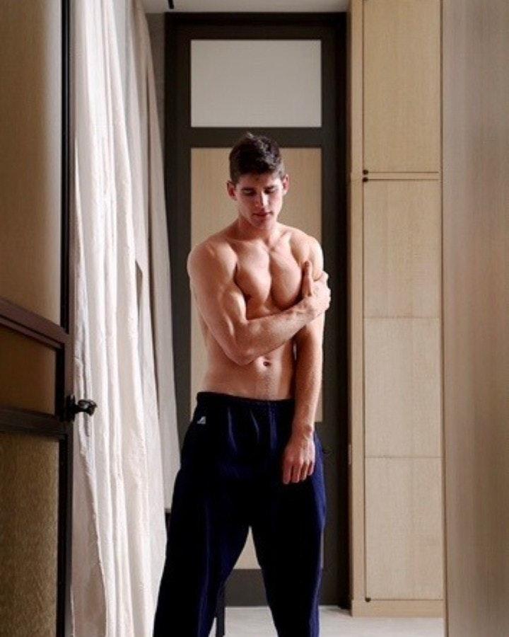 #men #shirtlessguys #hunks