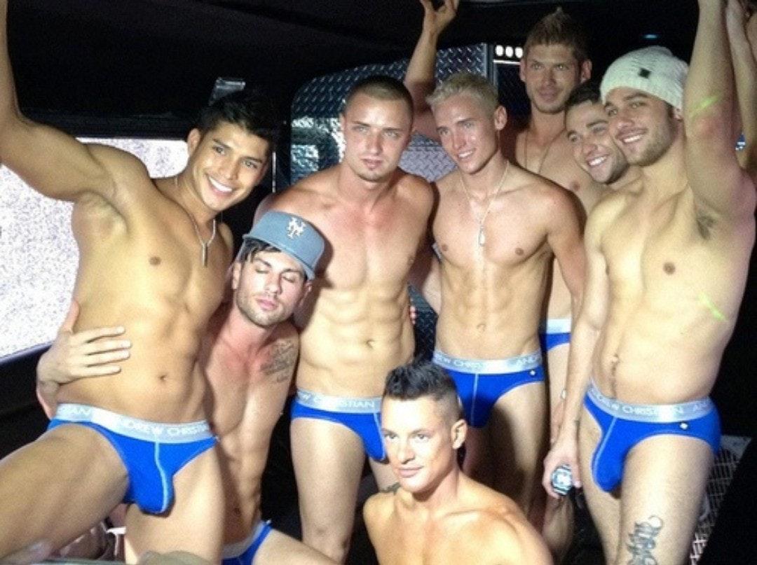 #men #bulge #underwear #shirtlessguys #hunks #abs