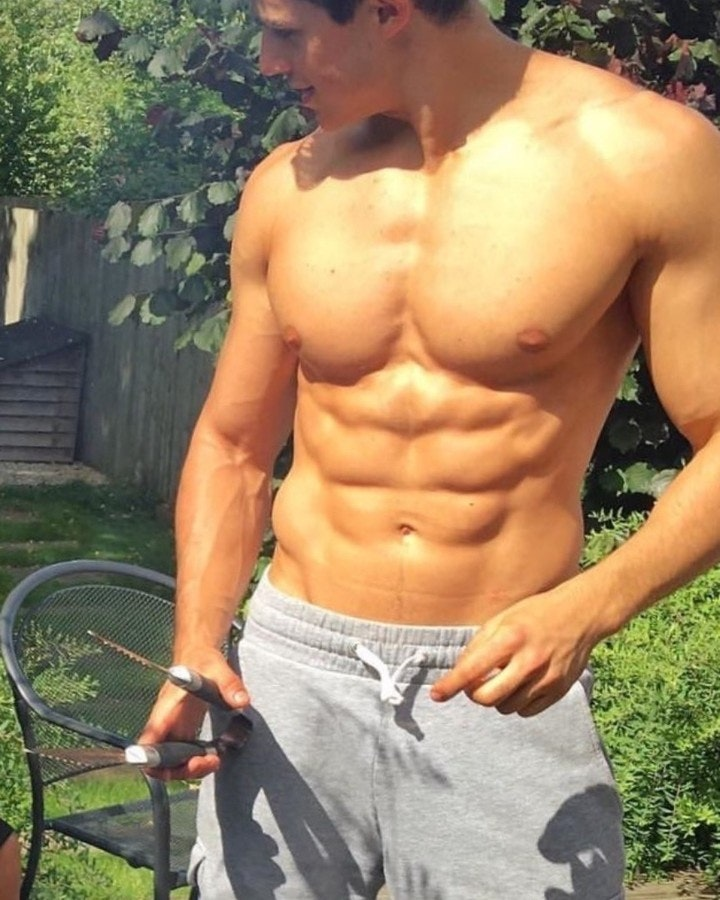 #men #abs #hunks #shirtlessguys #malecelebs #pietroboselli
