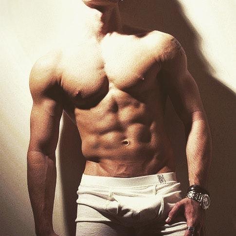 #men #bulge #muscle #trunks #abs #underwear