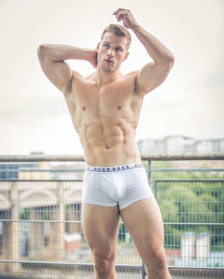 #men #underwear #abs #shirtlessguys #muscle #hugoboss #pits