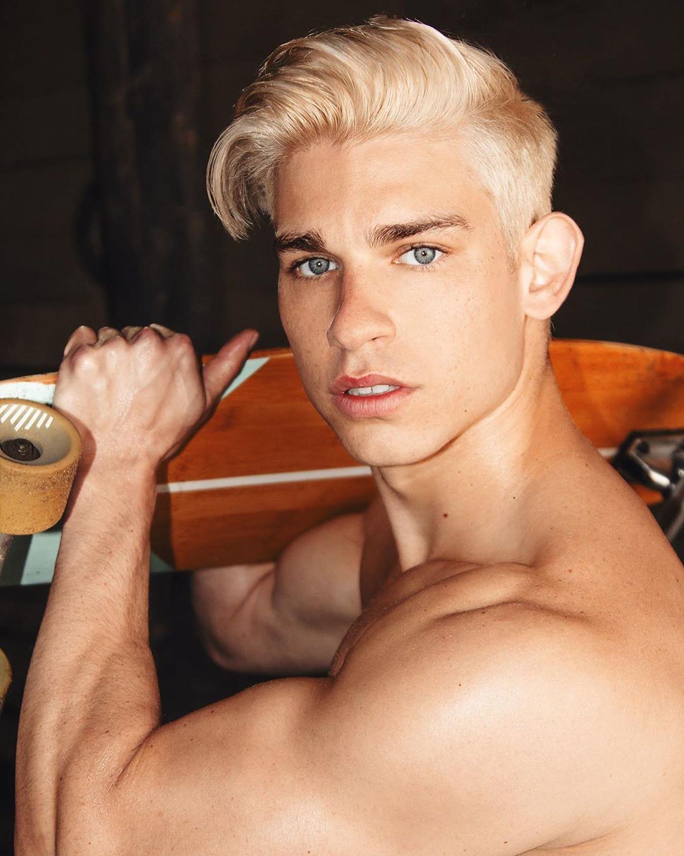 #men #twinks #muscle #blonde #face