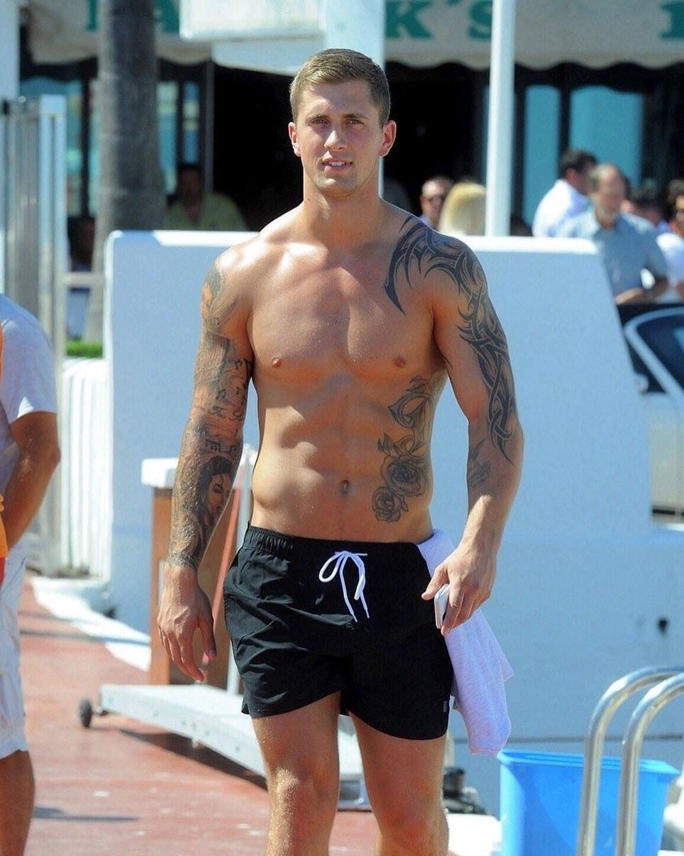 #men #tatoo #trunks #hunks
