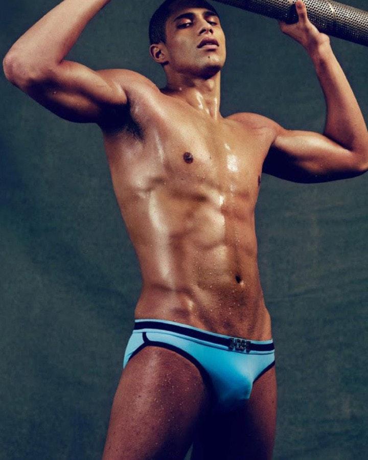 #men #bulge #abs #wet