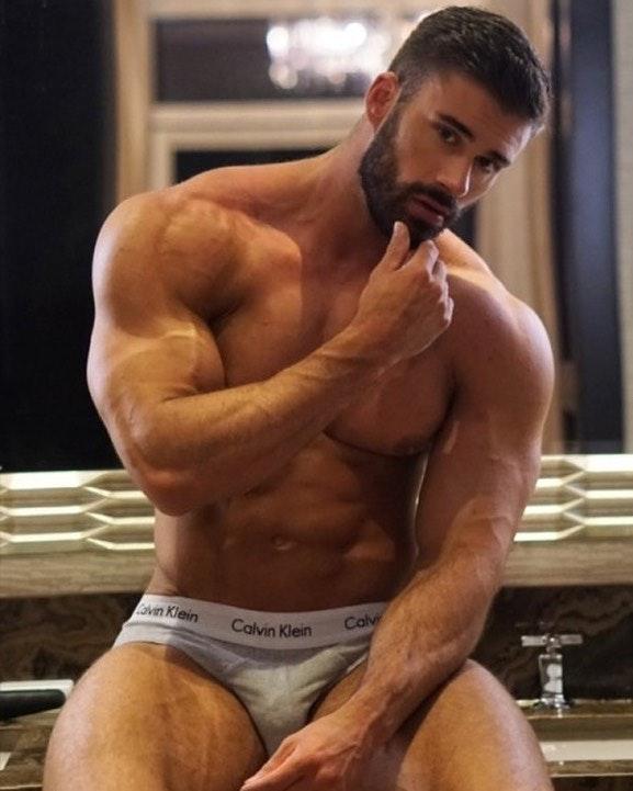 #men #muscle #hunks #briefs #bulge #underwear
