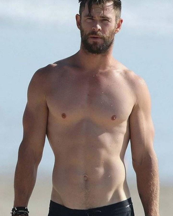 #chrishemsworth #malecelebs #shirtlessguys