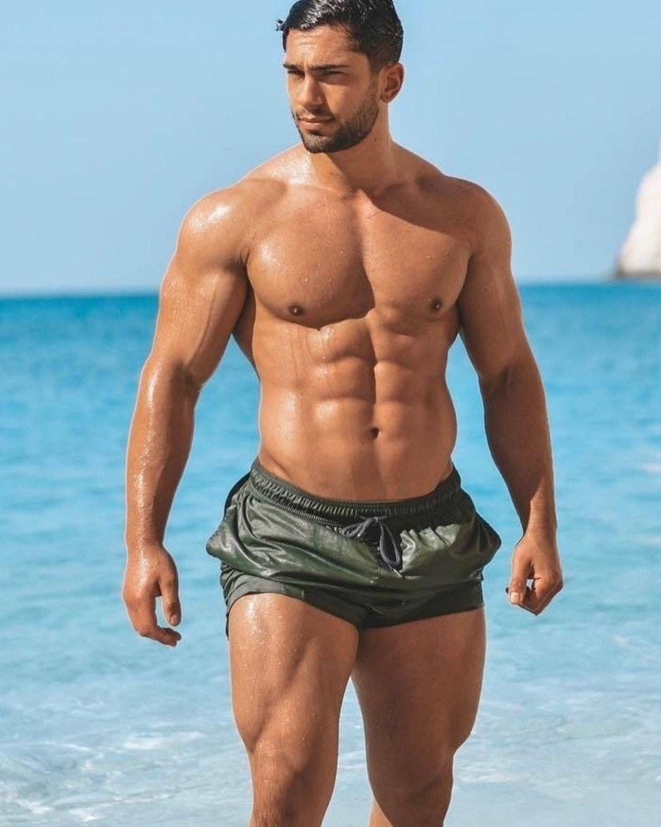 #men #wet #hunks #abs #muscle #beachboy #hotmen