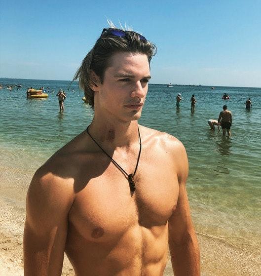 #men #hunks #beachboy #abs