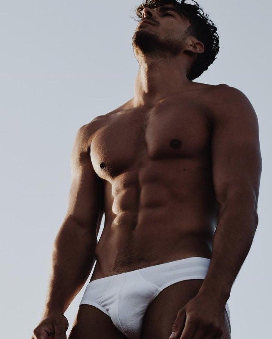 #men #bulge #briefs #abs #underwear #hotmen