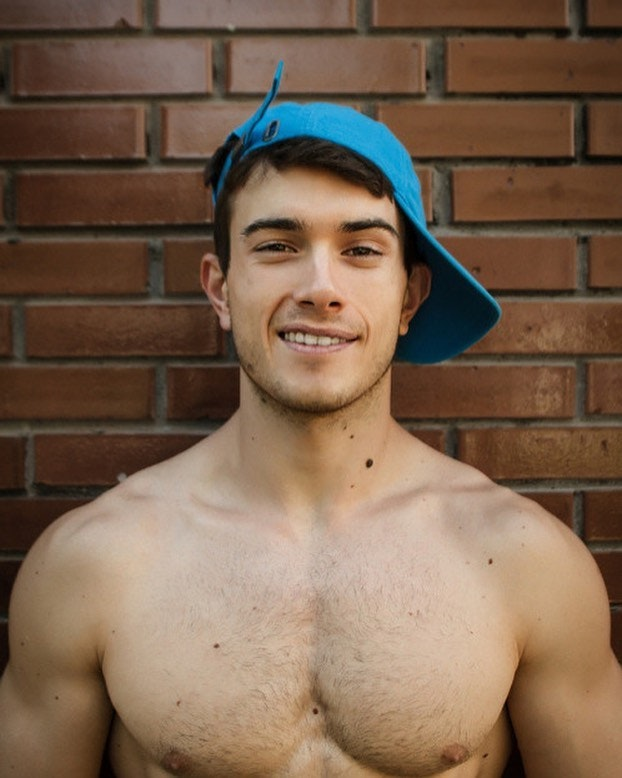 #men #smile #twinks #hotboys #hotmen #shirtlessguys
