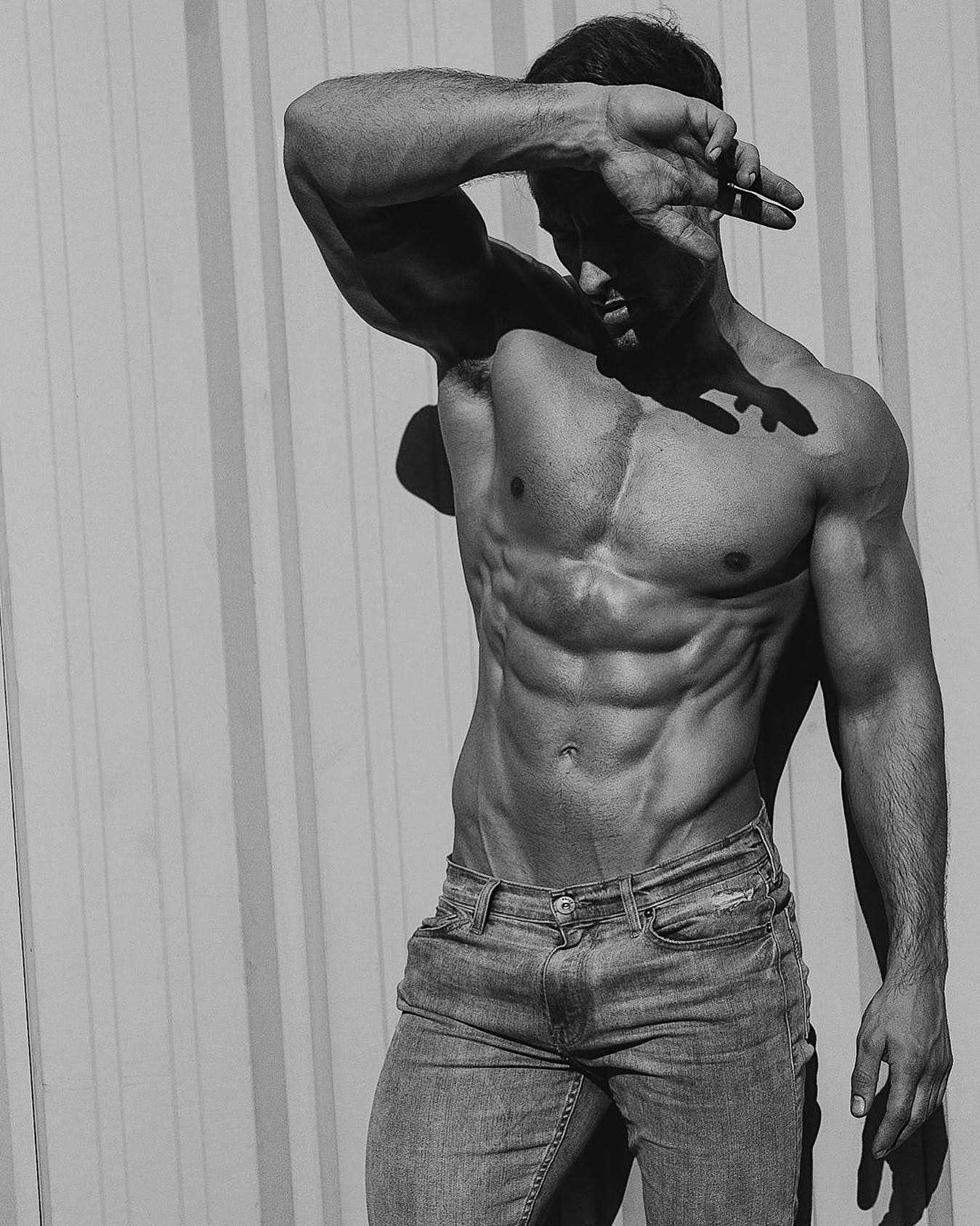 #men #jeans #abs #hunks #muscle #hotmen #blackandwhite