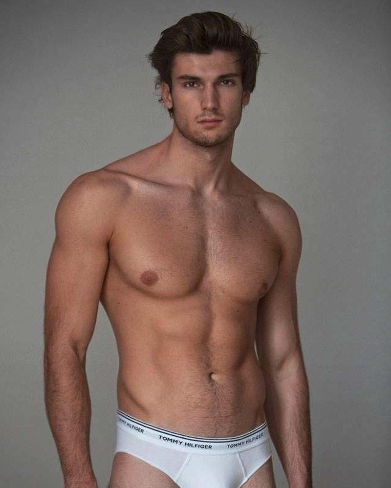#men #briefs #underwear #tommyhilfiger #abs #hotmen