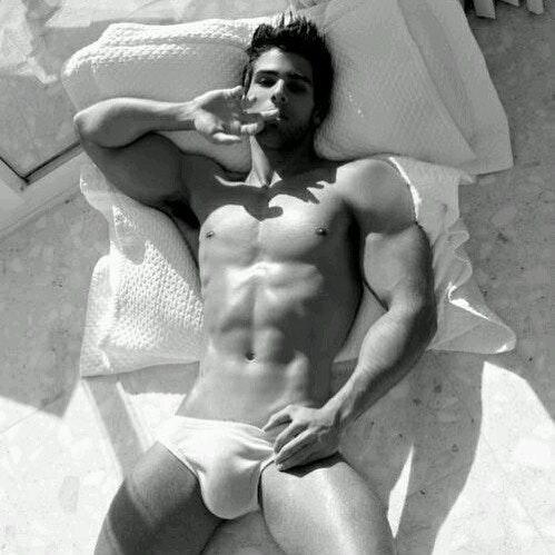 #men #bulge #briefs #blackandwhite #abs #underwear #hotmen