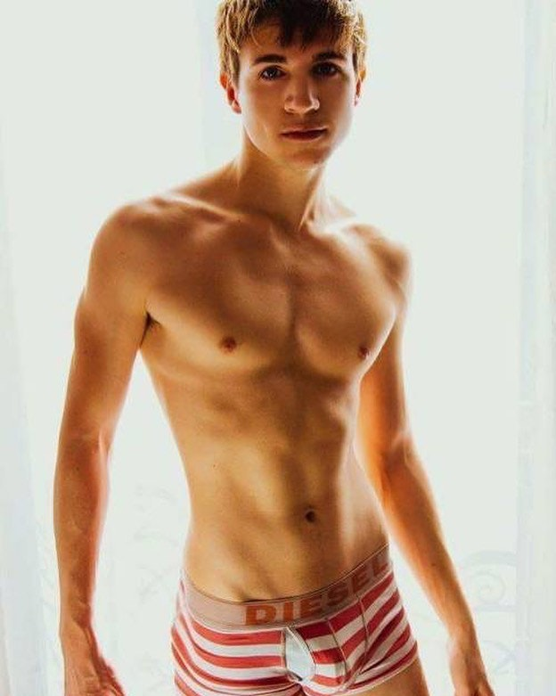 #men #twinks #bulge #hotboys