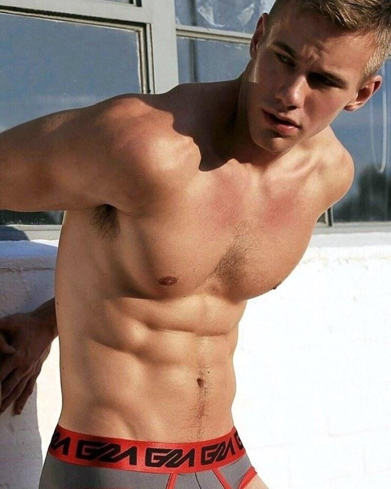 #men #bulge #hunks #abs #hotmen