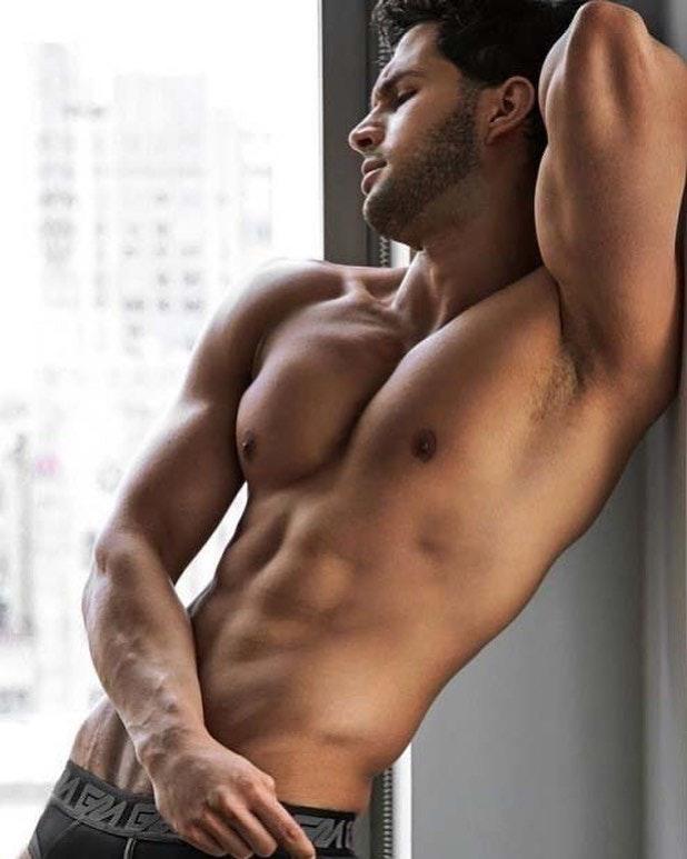 #men #hotmen #armpits #muscle #abs