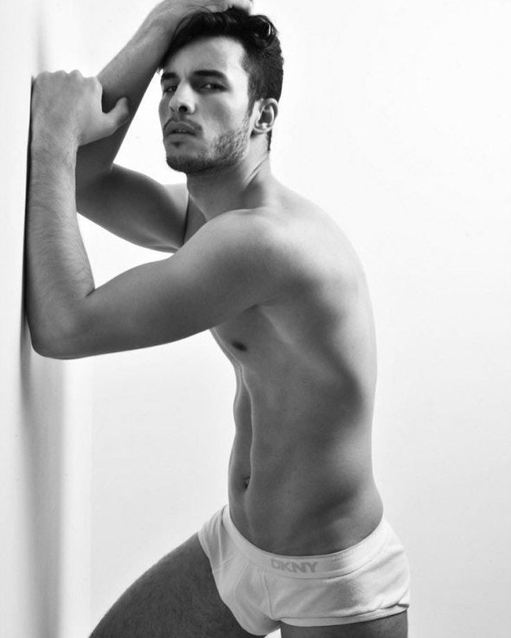 #men #blackandwhite #briefs #underwear #twinks