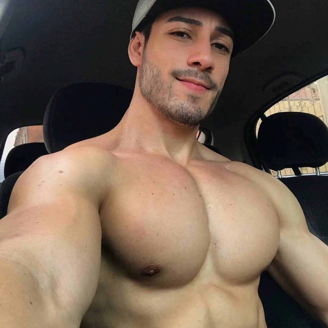 #men #muscle #hat #hotmen #smile