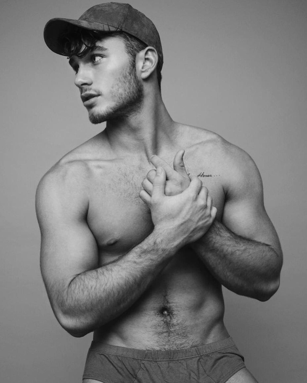 #men #blackandwhite #abs #hotmen #hat #muscle #twinks