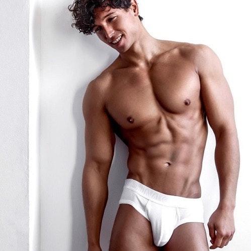 #men #twinks #briefs #underwear #bulge #abs #muscle #hotmen