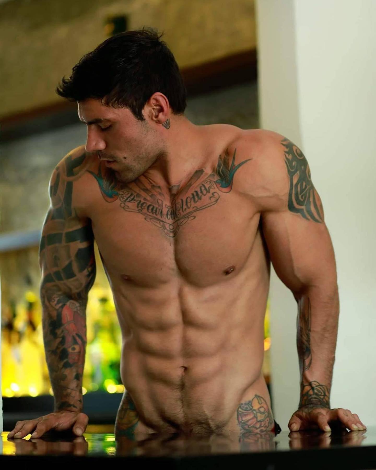 #men #abs #vline #tatoo #muscle #hotboys #hotmen