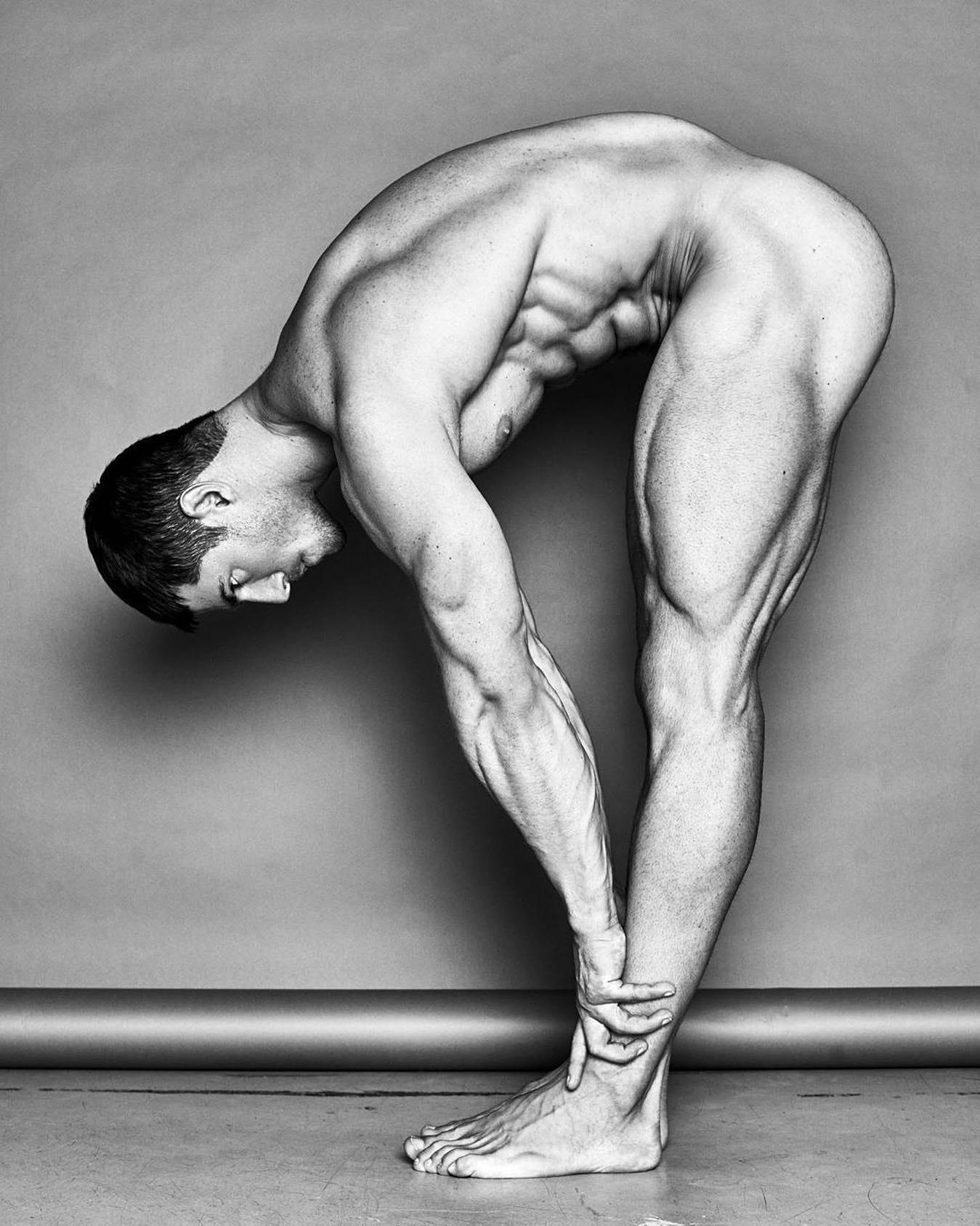 #men #muscle #blackandwhite #hotmen
