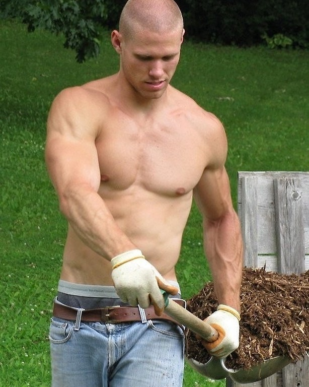 #men #jeans #abs #shirtlessguys #hotmen