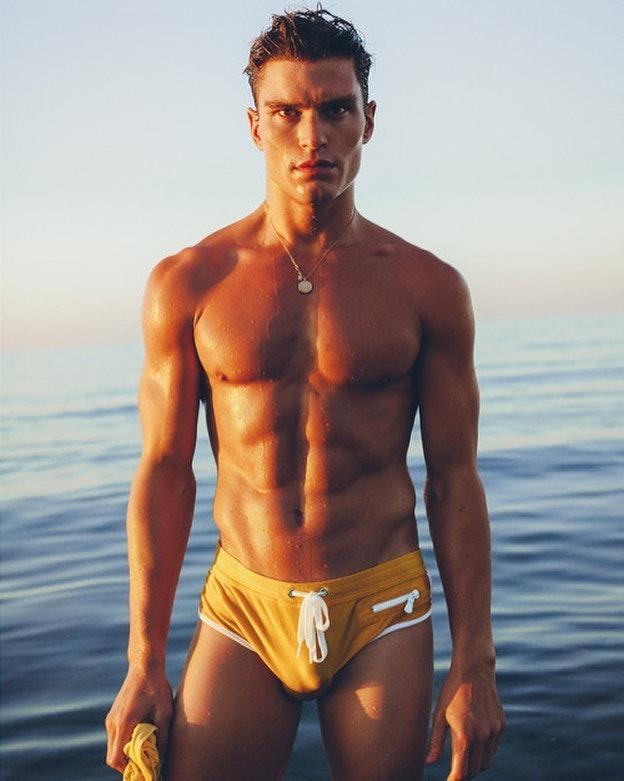 #men #speedo #beachboy #bulge