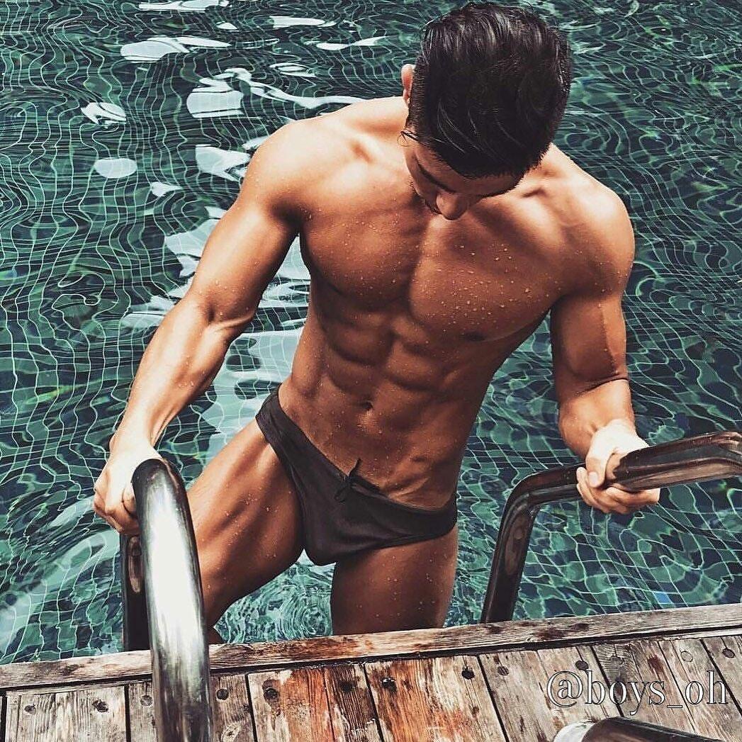 #men #wet #speedo #abs #hotmen
