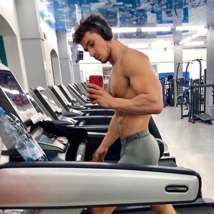 #men #selfie #shirtlessguys