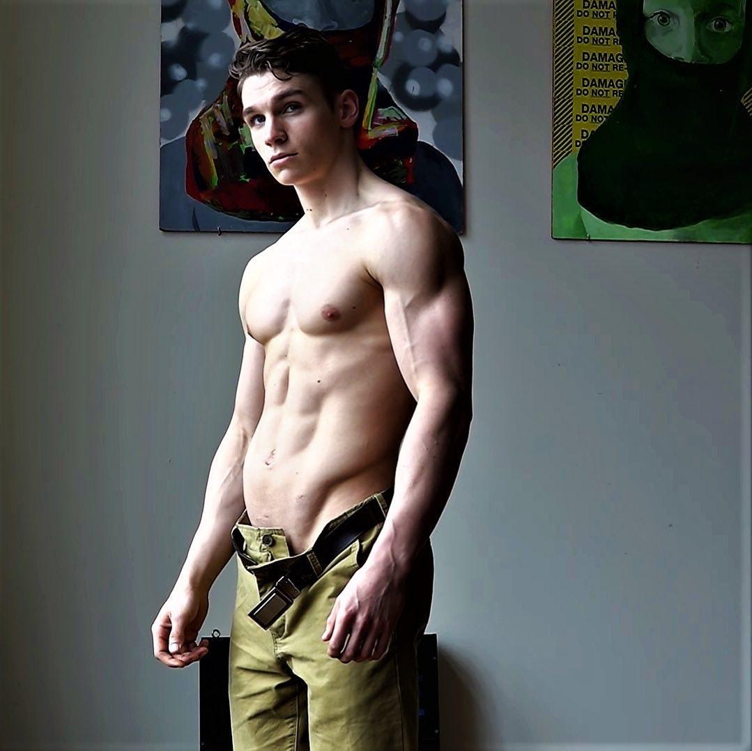#men #vline #hunks #muscle #sixpack #abs