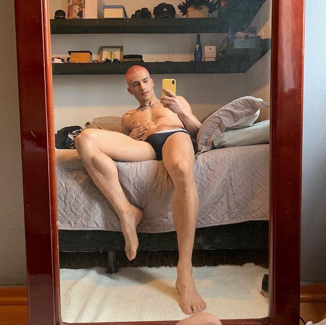 #men #selfie #briefs #bulge