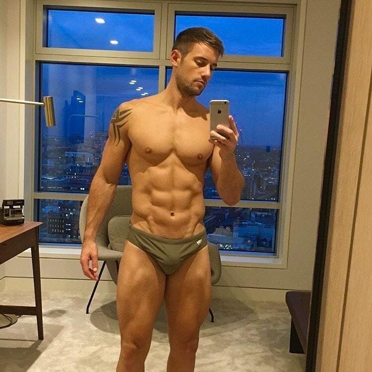 #men #tatoo #bulge #sixpack #selfie #guy #guys