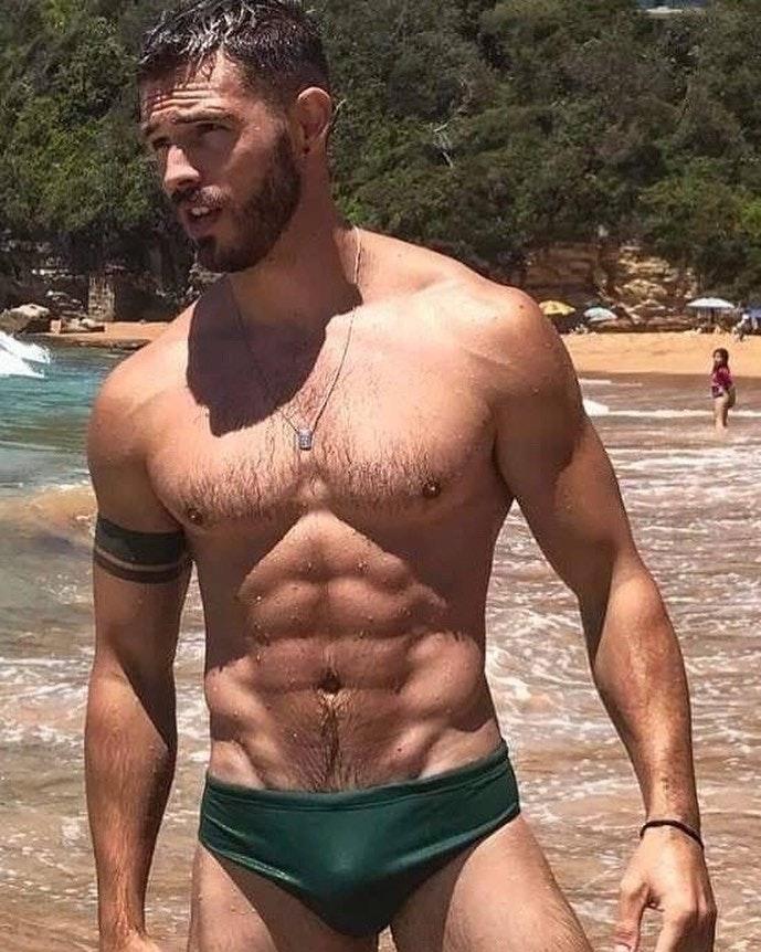 #men #hot #sexy #guy #guys #hotboys #hotmen #sixpack #muscle #wet #sixpack #abs #bulge #speedo