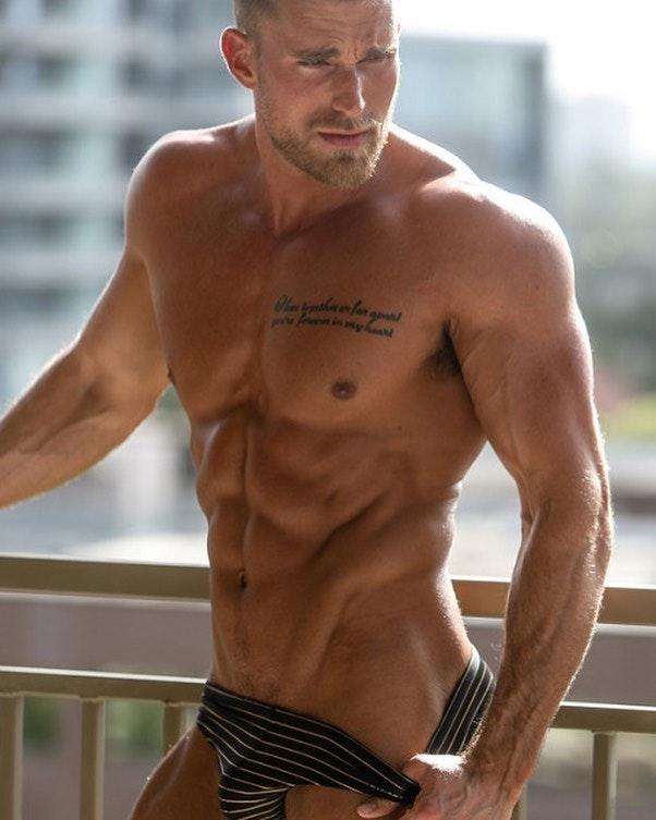 #hunks #tatoo #bulge #sixpack