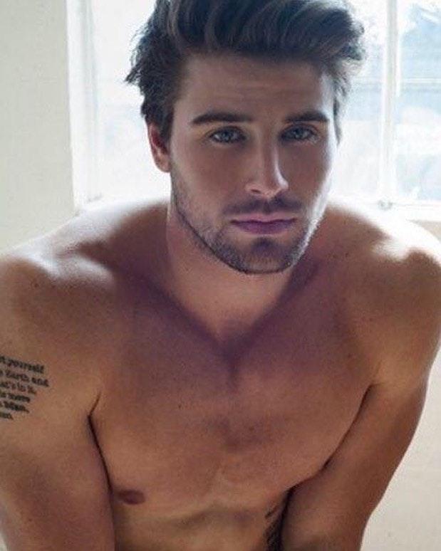 #men #hunks #hot #hotmen #tatoo #shirtlessguys #cute