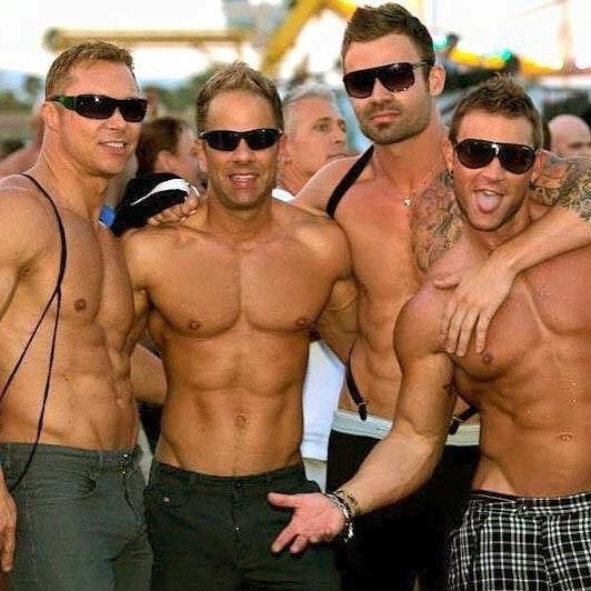 #men #hunks #shirtlessguys #hotmen #muscle #sixpack