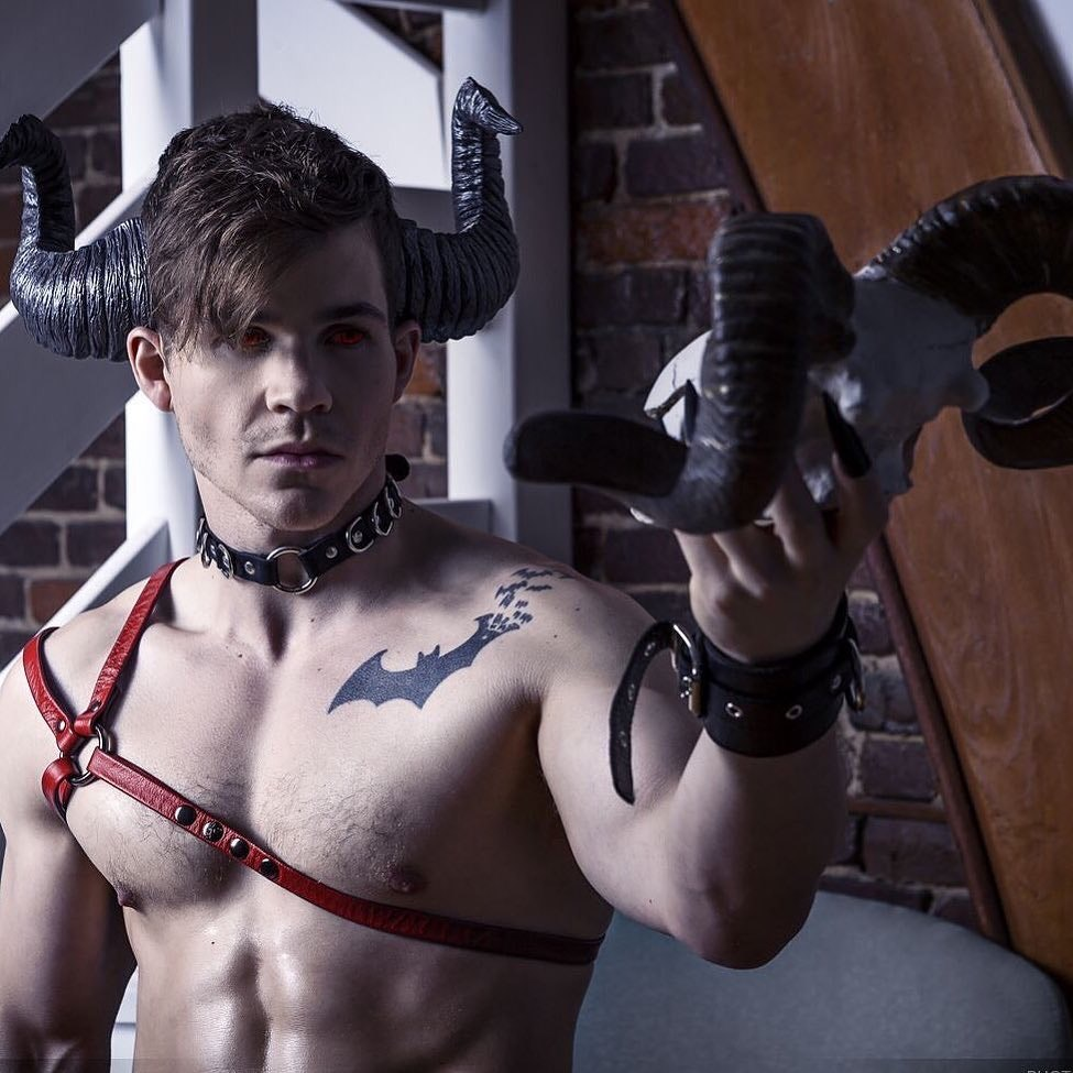 #men #tatoo #muscle #hotmen #sixpack #sexy #guy #guys