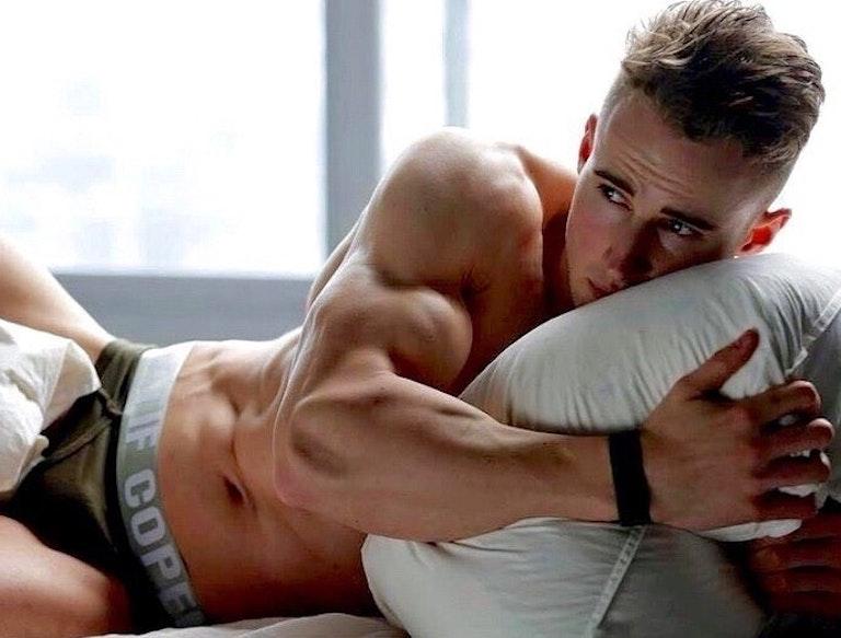 #men #hunks #twink #muscle #underwear #bulge #malebody #fitmen