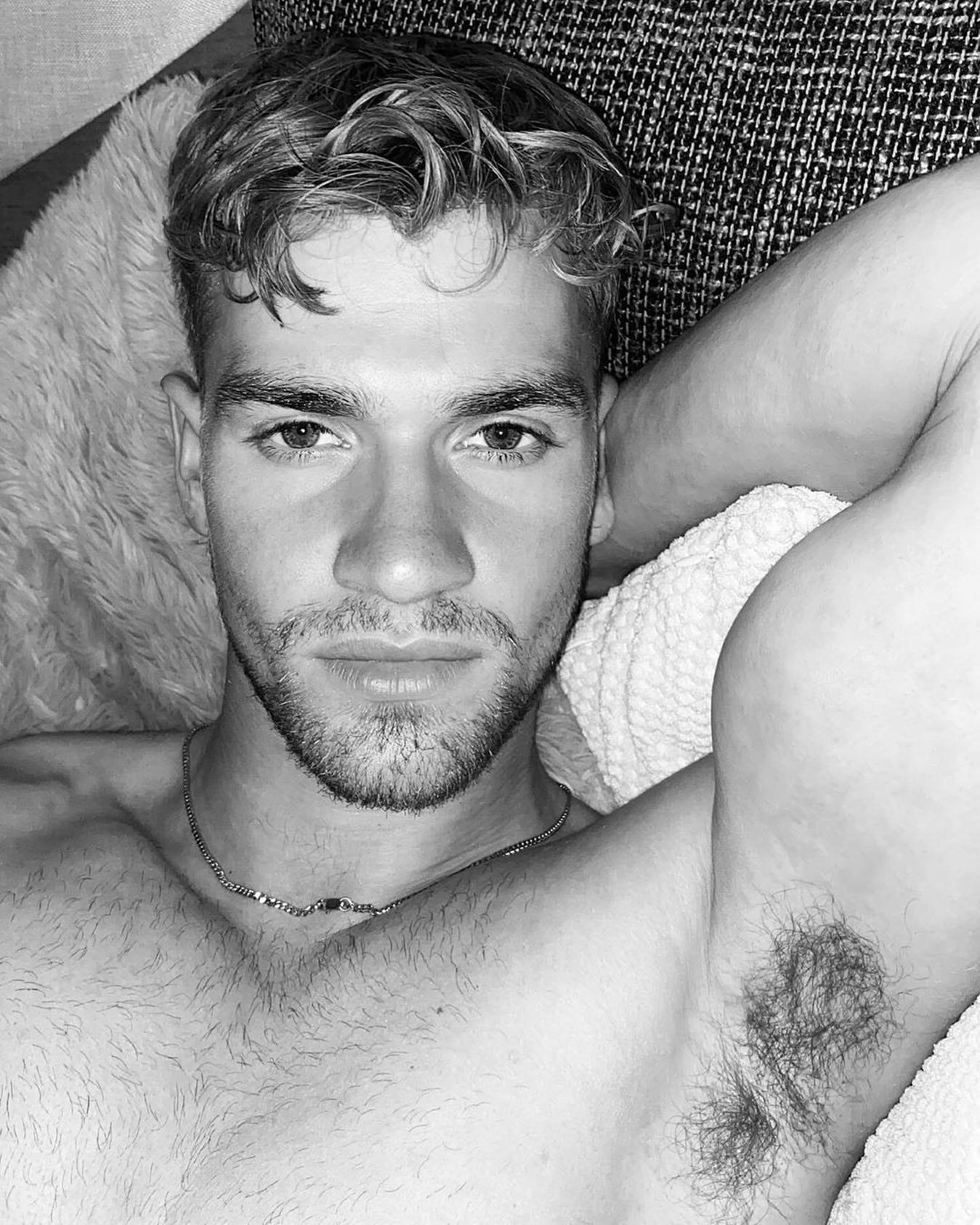 #men #blackandwhite #armpits