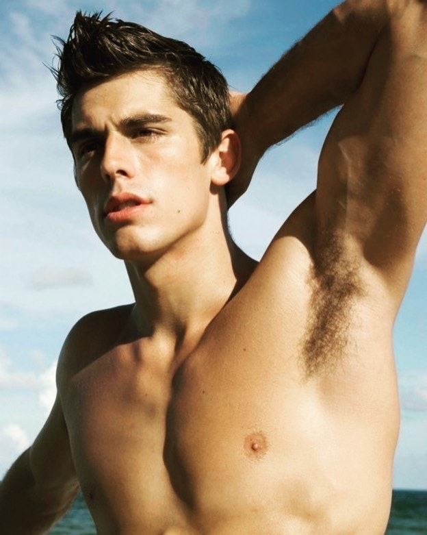 #men #muscular #muscle #armpits #shirtlessguys #twinks #hotmen #handsomeboys