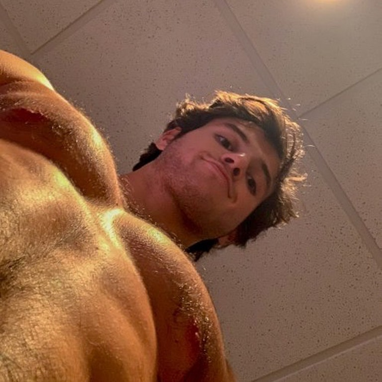 #men #hotmen #hairy #pov #muscular #muscle #abs #sixpack #shirtlessguys