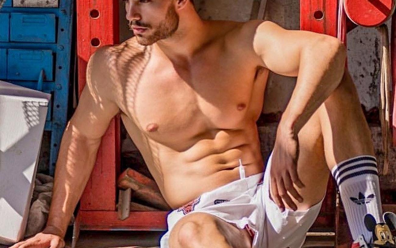 #men #hunks #sixpack #underwear #socks #muscular #muscle #hotmen