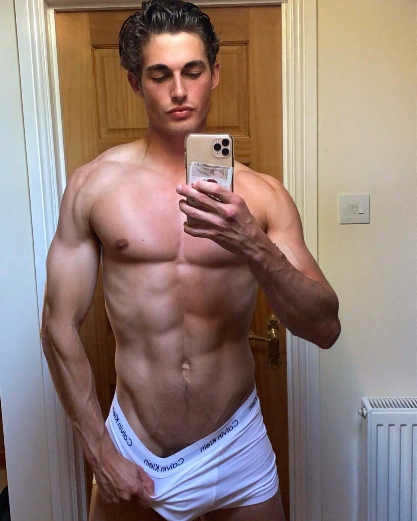 #beautiful #crossfit #fashion #fitlife #fitmotivation #fitnesslife #guy #instagood #instaselfie #lifestyle #love #men #mensfashion #menstyle #menswear #mirrorselfie #muscular #photography #photoofthed