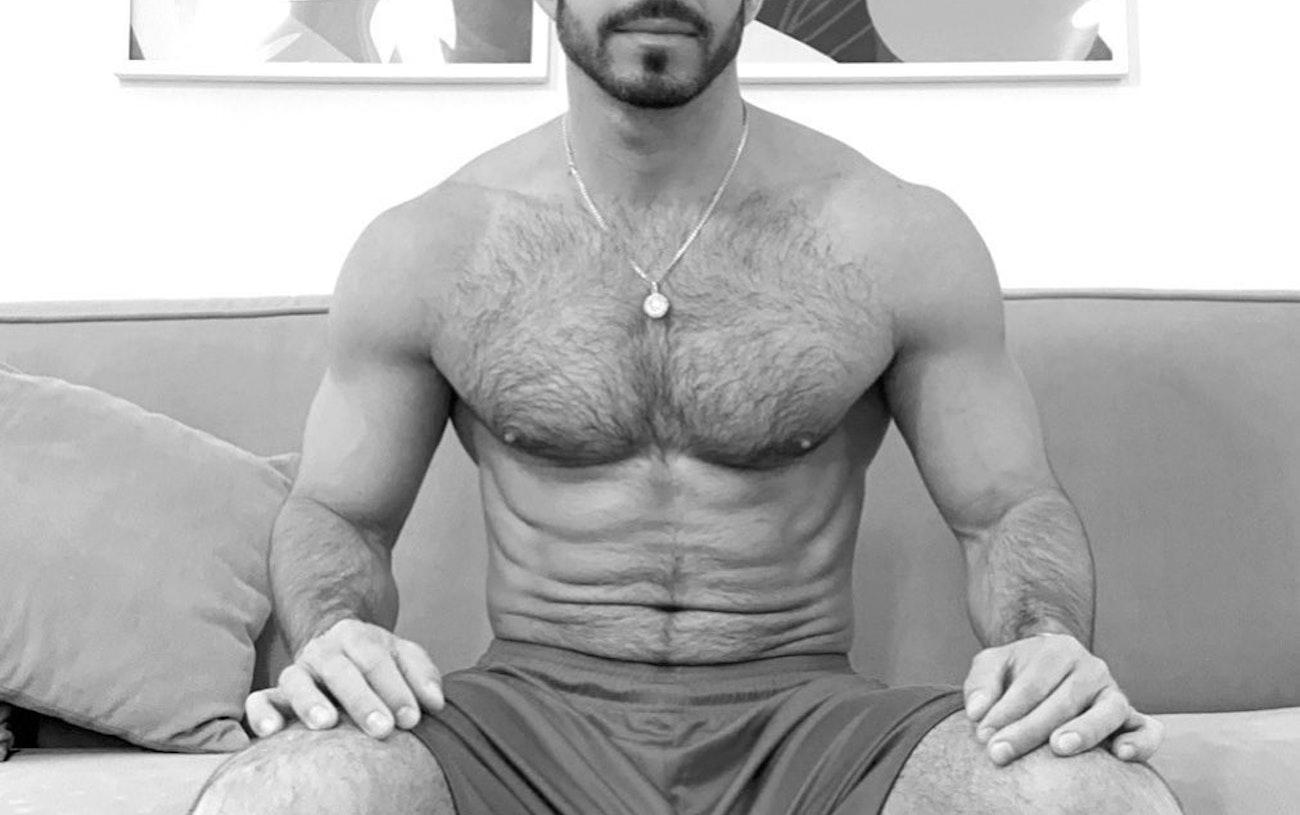 #men #hunks #blackandwhite #bulge #hairy #hsirychest #hotmen #gaymen