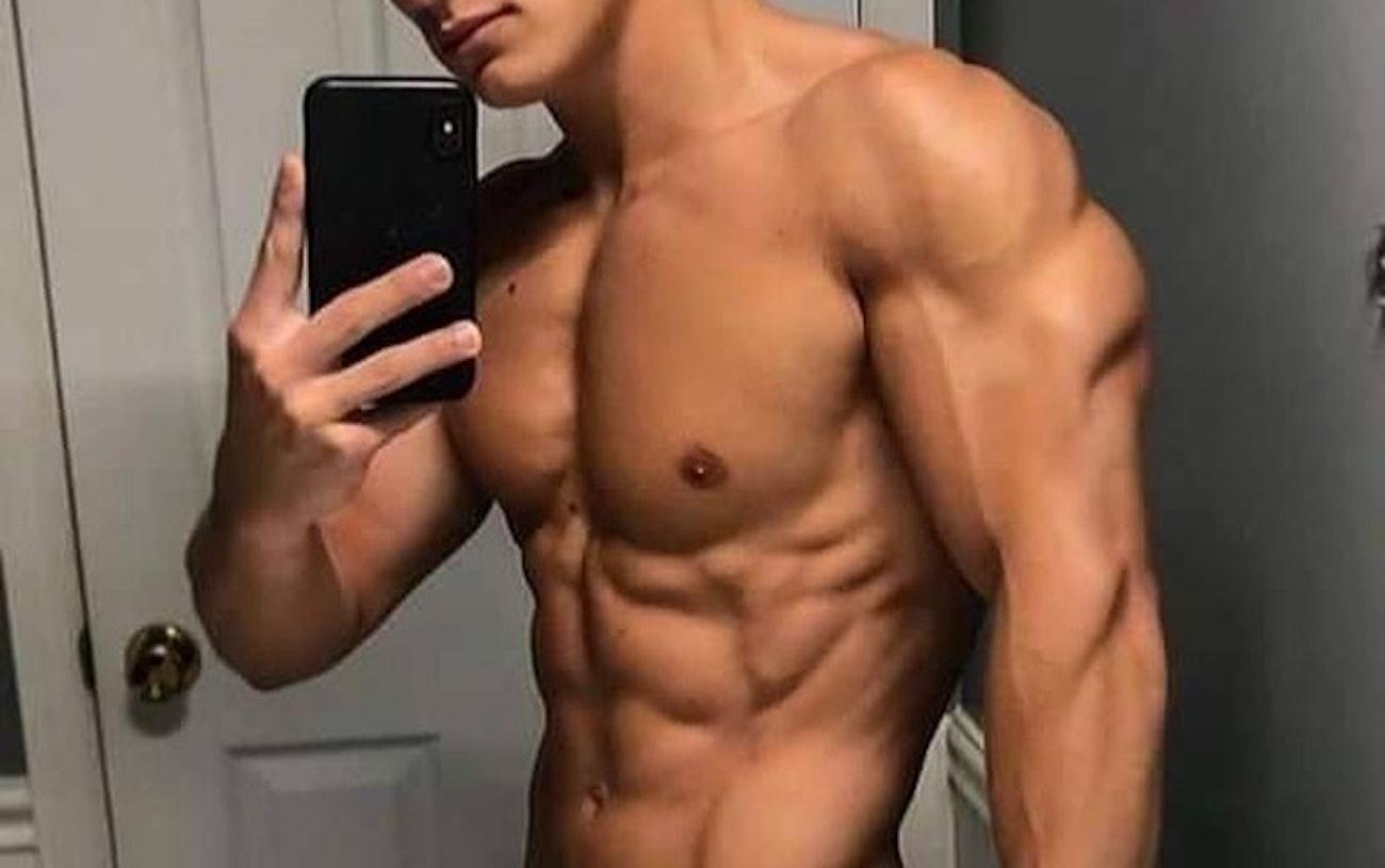 #men #selfie #muscular #muscle #shredded #twinks #twink #gaymen #gayboy #hotmen